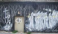 La Santa Compaña representado como graffiti realizado en una calle de Pontevedra