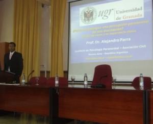 Alejandro Parra durante su ponencia 01