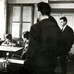 Rem Viktorovich Khokhlov y Ninel Kulagina S. durante el experimento en la MSU. MV Universidad, 1974 (foto de Yevgeny Chernosvitova ©)