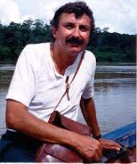 Miguel Rivera Dorado en rio tropical