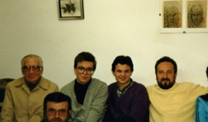 Javier Sierra y Manuel Carballal entre Bernardino Sánchez Bueno y Lice Morone en la Asociación Adonai de Desejo 1989 - copia - copia