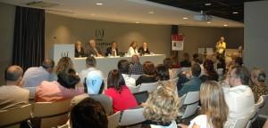 Presentación de La Casa II en una sala llena de publico (2)