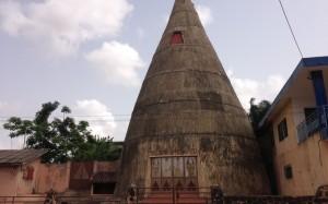 El gran templo zangbeto en Port Novo, Benin